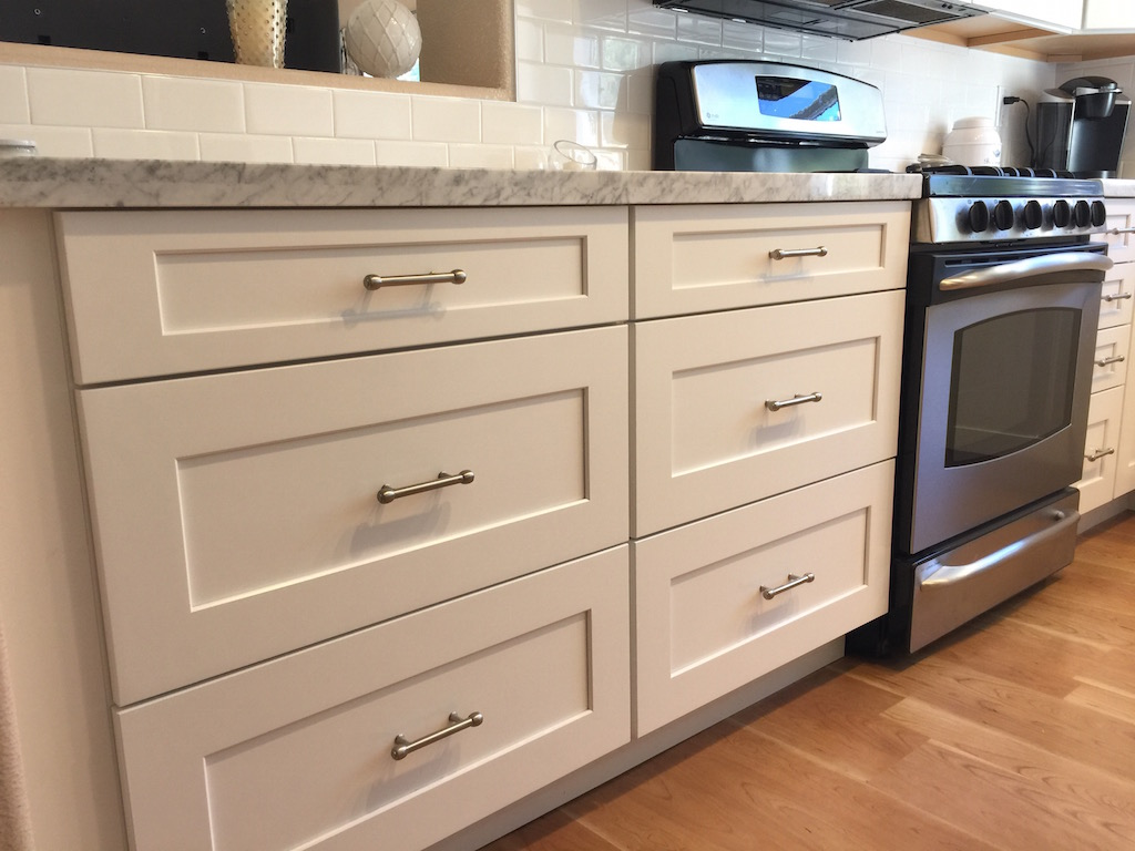 Shaker cabinets and drawers inspired remodels for Kitchen cabinets with drawers