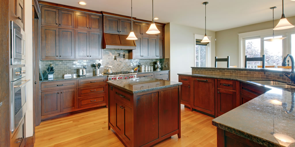 kitchen cabinet contractor dishes on picking kitchen cabinets